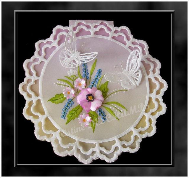 fleurs 3D et papillons 3D